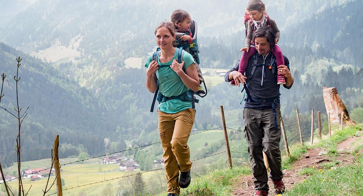 Comment bien choisir son porte-bébé de randonnée ?